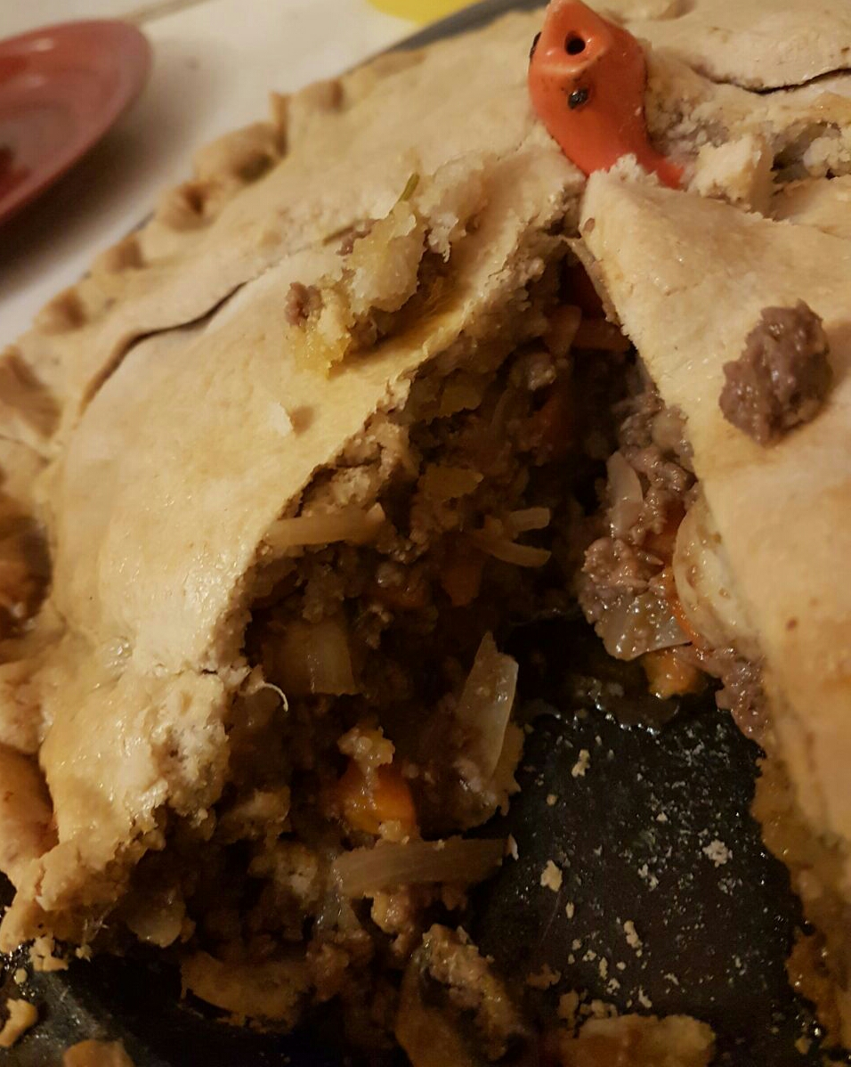 Beef Bourginon Style Pie with Waylands Beef Mince and Super Magic Dough Pastry